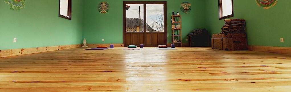 Banner yoga room
